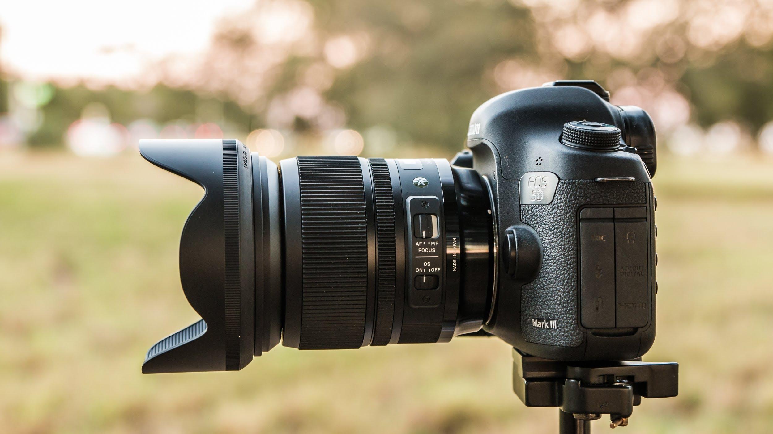 Câmera fotográfica DSLR