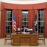 Fotos de Obama na Casa Branca em sua mesa
