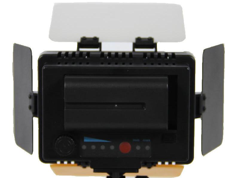 Iluminador de LED e tripé profissional para vídeo